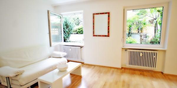 Altschwabing an der Münchner Freiheit: möbliertes Apartment