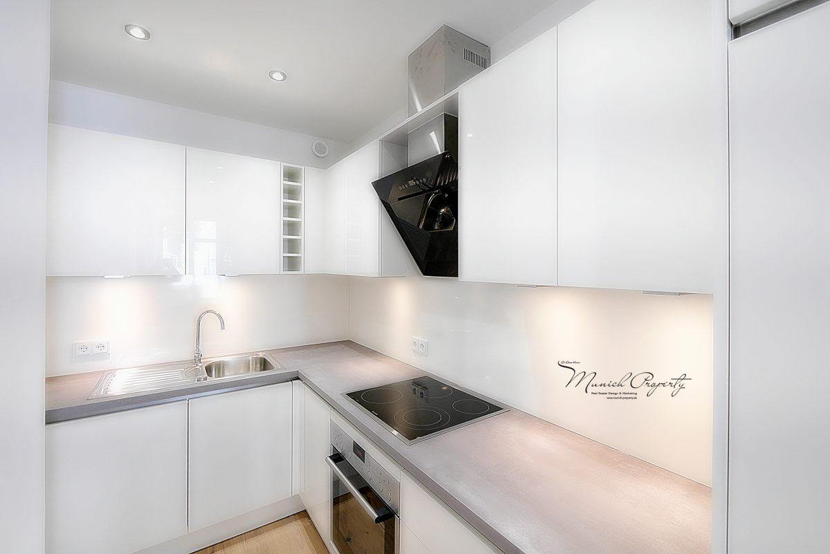 westend top sanierte 2 zi altbau wohnung munich property. Black Bedroom Furniture Sets. Home Design Ideas