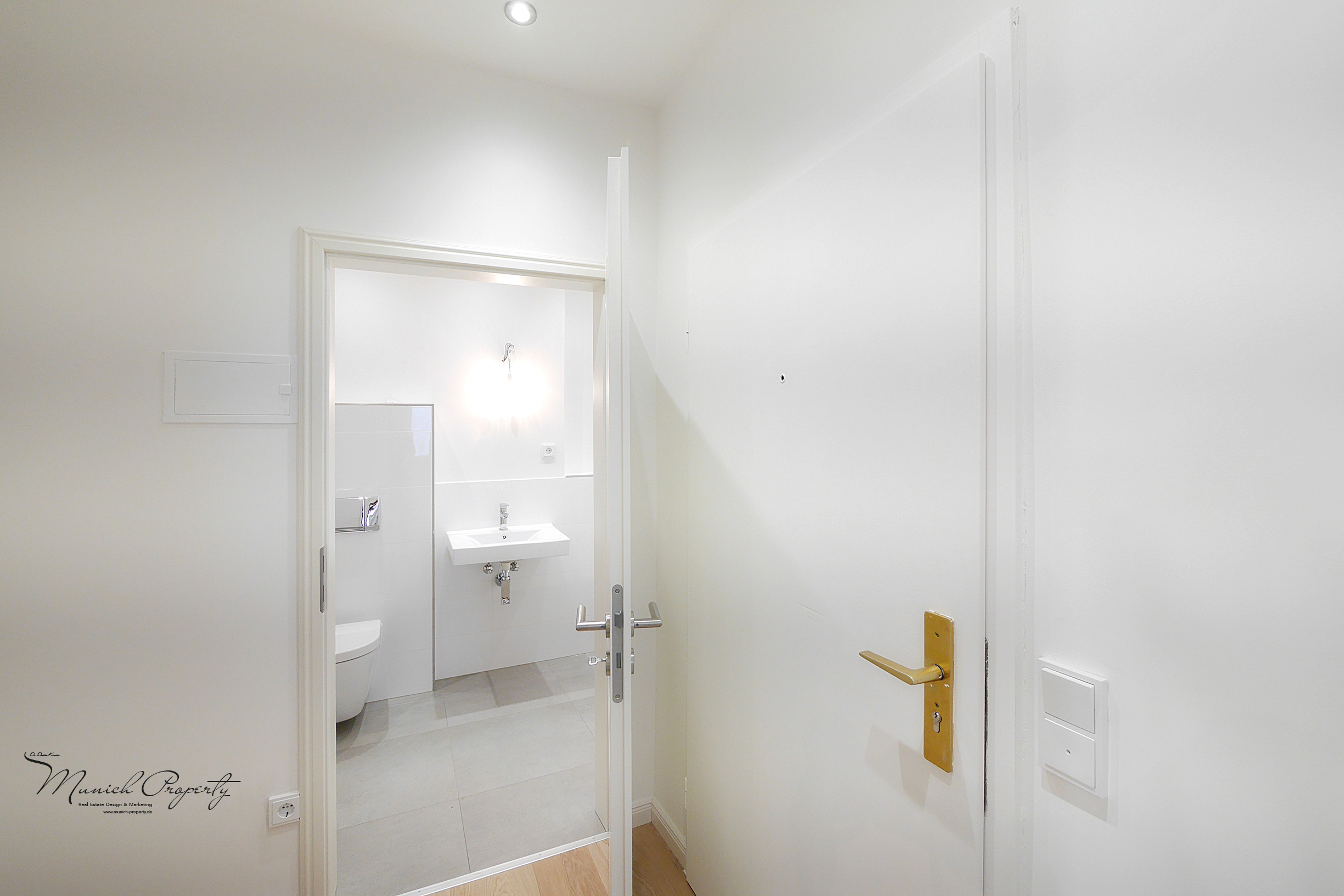 Wohnung mieten München Westend Schwanthalerhöhe: 2 Zimmer Altbau: Badezimmer