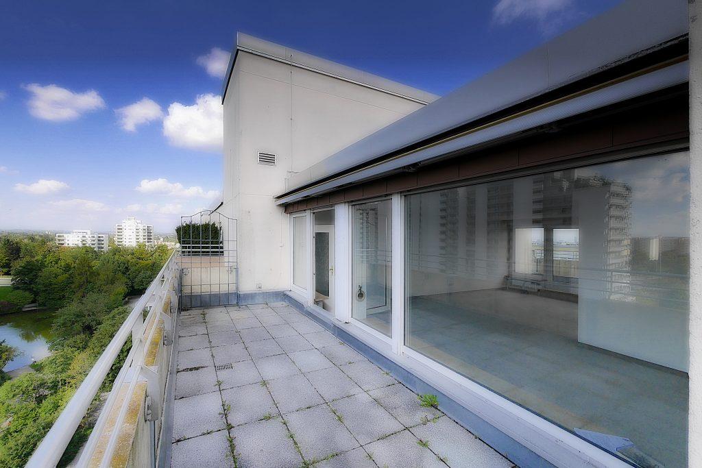 hoch oben dem himmel so nah penthouse traum mit alpenblick munich property. Black Bedroom Furniture Sets. Home Design Ideas