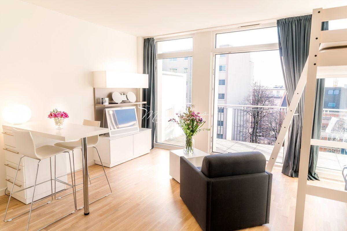 stilvolles apartment in bogenhausen mit edler ausstattung und gro em balkon munich property. Black Bedroom Furniture Sets. Home Design Ideas